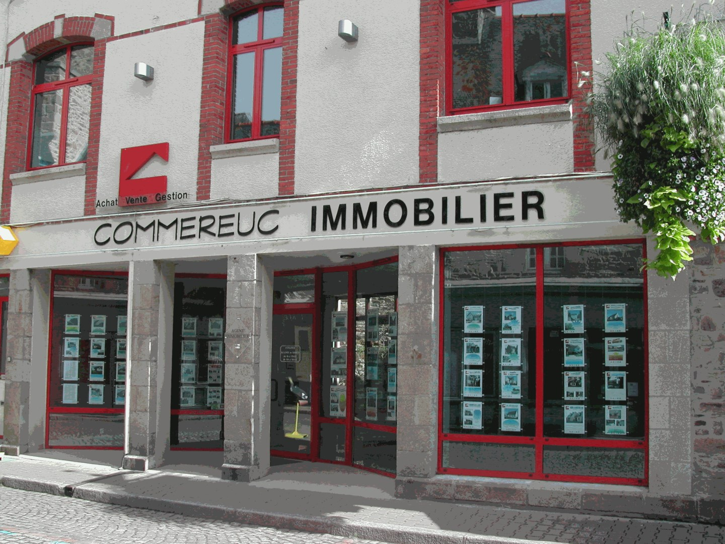 Agence commereuc immobilier agence immobili re paimpol for Agence immobiliere 09