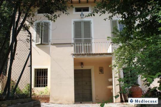 Vente  160m² Lucca