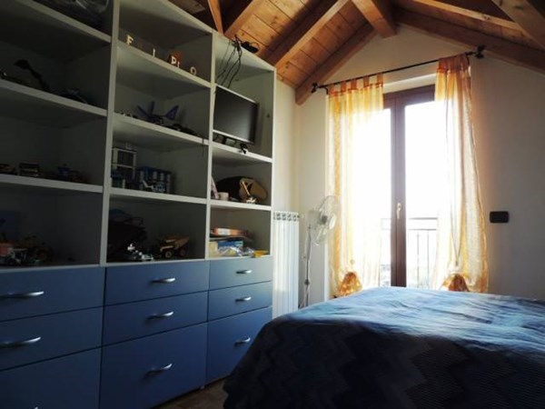 Vente Maison 6 pièces 200m² Venegono Superiore