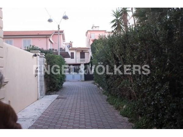 Vente Appartement 4 pièces 90m² Viareggio