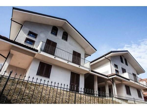 Vente Maison 6 pièces 280m² Castiglione Torinese