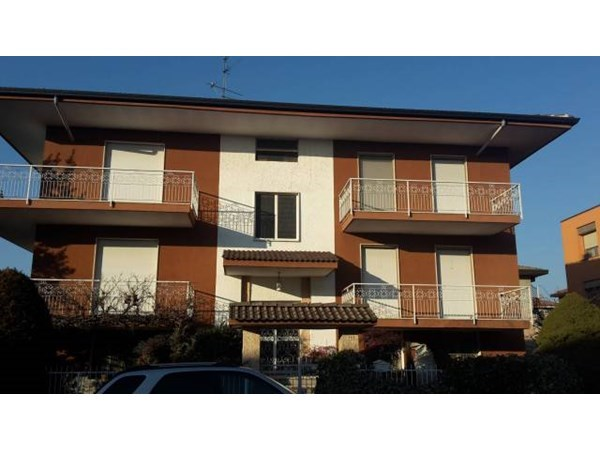 Vente  303m² Novara