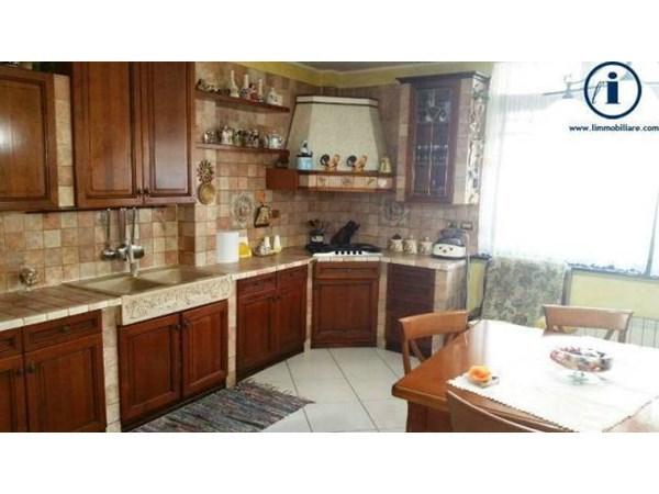 Vente Maison 6 pièces 350m² Caserta