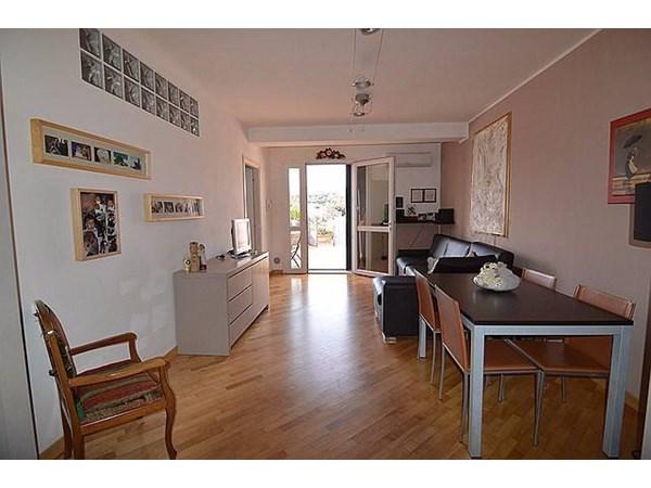 Vente Appartement 3 pièces 75m² Imperia
