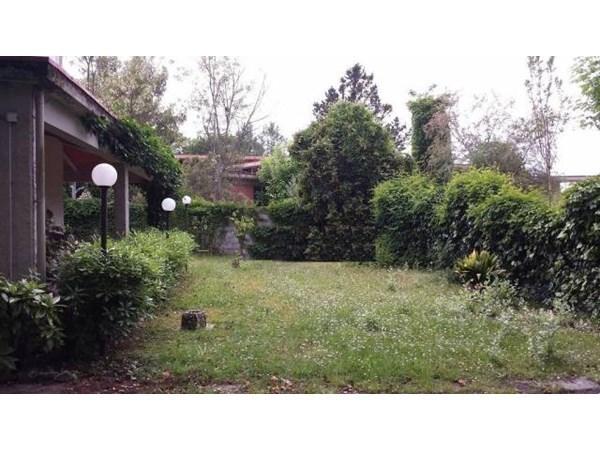 Vente Maison 6 pièces 130m² Montignoso
