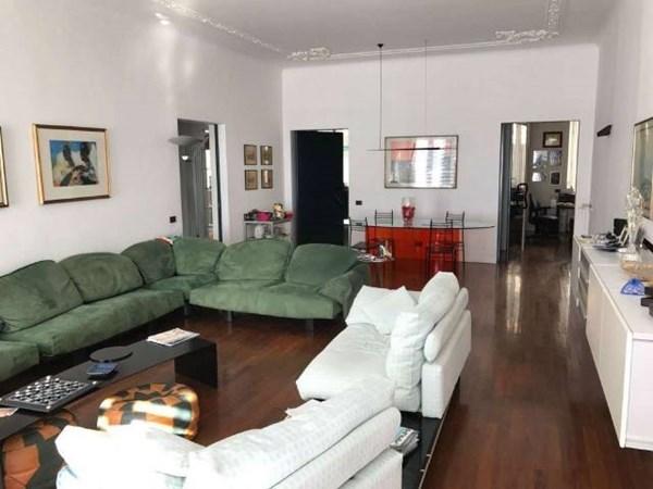 Vente Appartement 6 pièces 240m² Genova