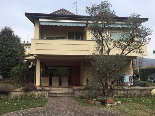 Vente  250m² Grumello Del Monte
