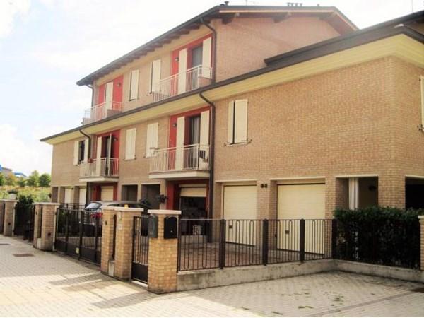 Vente  220m² Modena