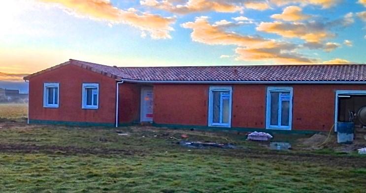 Maison  4 pièces + Terrain 2200 m² Cox par maison côté soleil