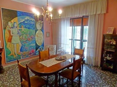 Vente Appartement 4 pièces 145m² Bari