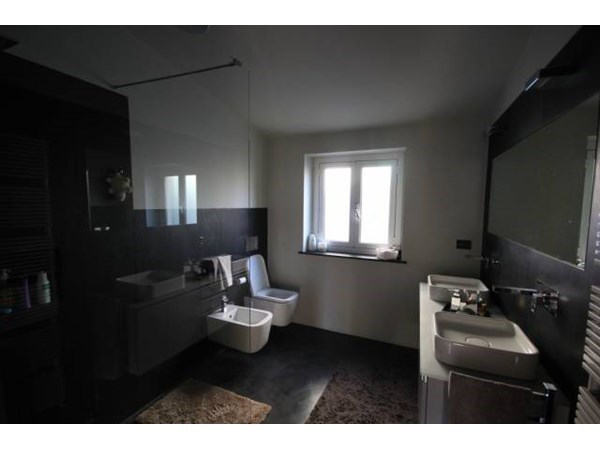 Vente Appartement 3 pièces 130m² Genova