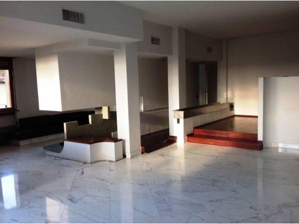 Vente Appartement 6 pièces 220m² Prato