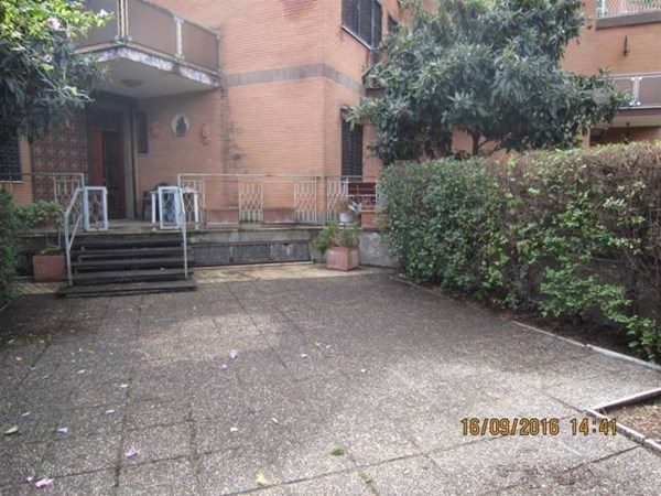 Vente  250m² Roma