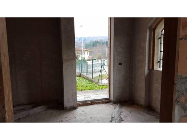 Vente  208m² Ferrera Di Varese