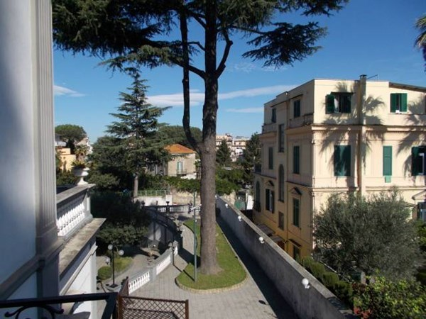 Vente  685m² Napoli