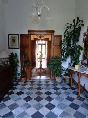 Vente  550m² Livorno