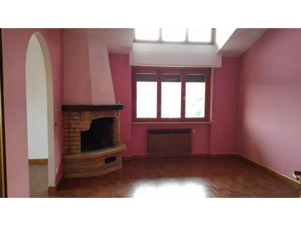 Location Appartement 5 pièces 100m² Peveragno