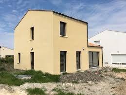 """Modèle de maison  """"Modèle de maison 5 pièces"""" à partir de 4 pièces Gironde par MAISONS BEBIUM LANGON"""