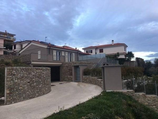 Vente  152m² San Lorenzo Al Mare