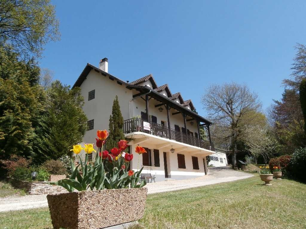 House villa 7 rooms in saint yrieix la perche france - Maison jardin senior living community reims ...