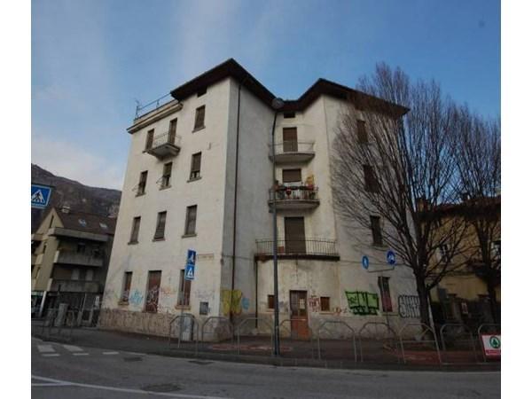 Vente  500m² Trento