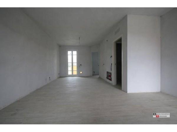 Vente Maison 6 pièces 133m² Lucca