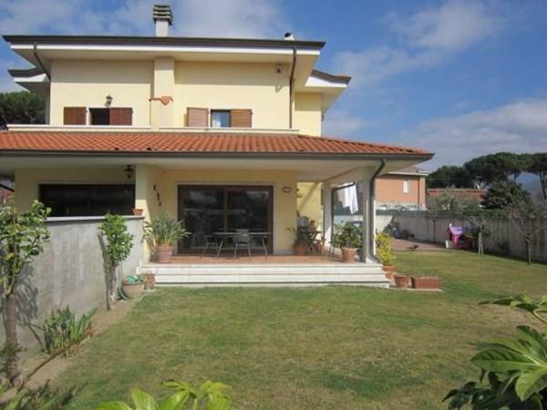 Vente Maison 6 pièces 300m² Carrara