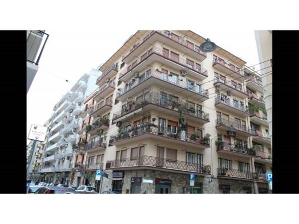 Vente Appartement 6 pièces 180m² Bari