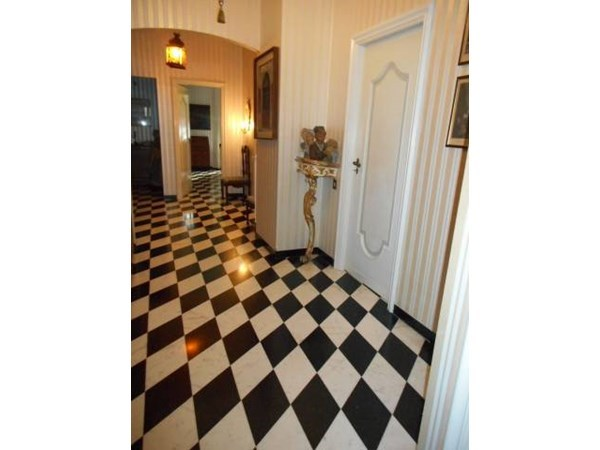 Vente Appartement 5 pièces 120m² Albisola Superiore