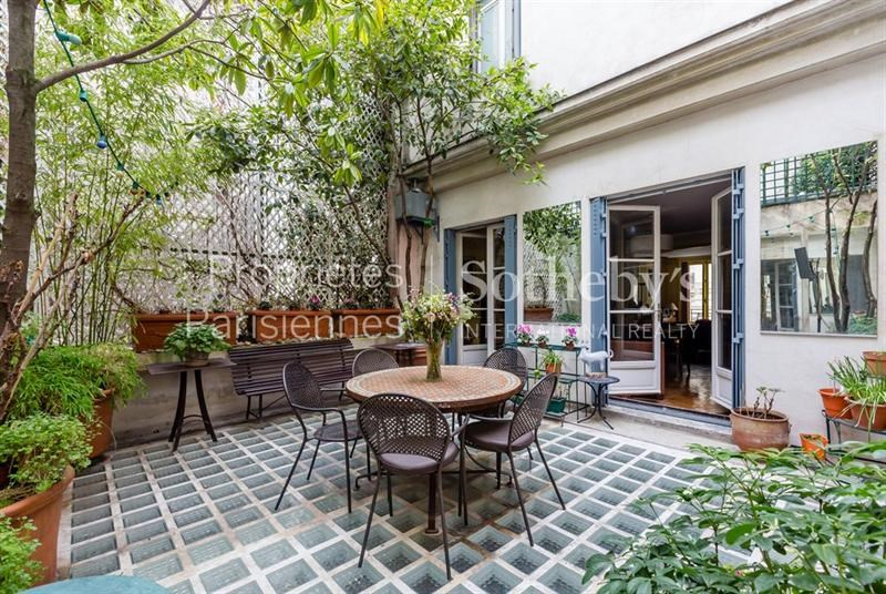 maison villa de luxe paris 9 me 7 pi ces 4700000 euro. Black Bedroom Furniture Sets. Home Design Ideas
