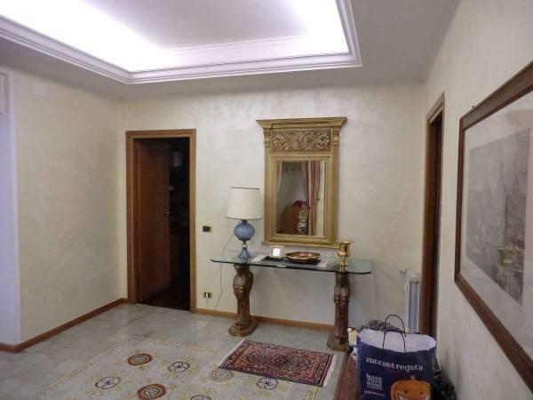 Vente Appartement 4 pièces 220m² Roma