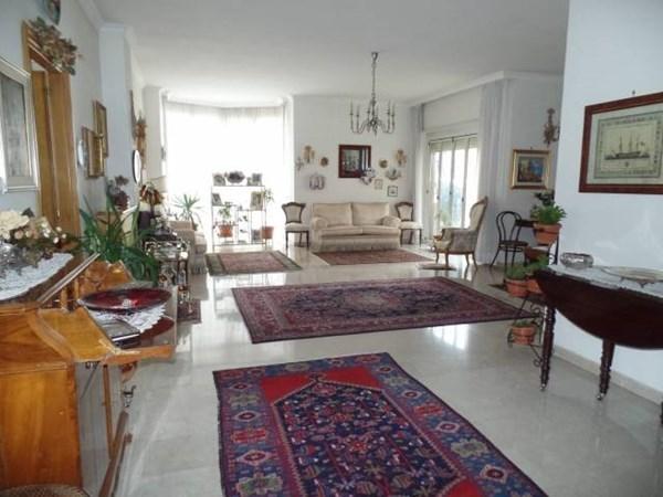 Vente Appartement 6 pièces 176m² Roma