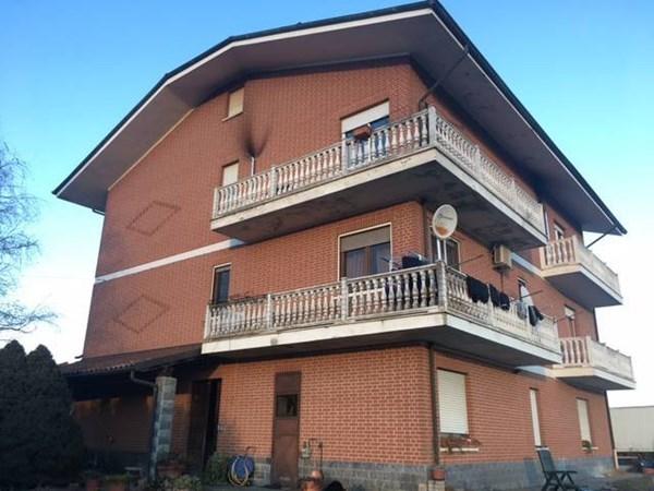 Vente  540m² Villanova D'Asti