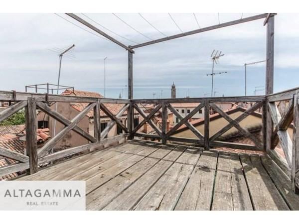 Vente Maison 6 pièces 190m² Venezia