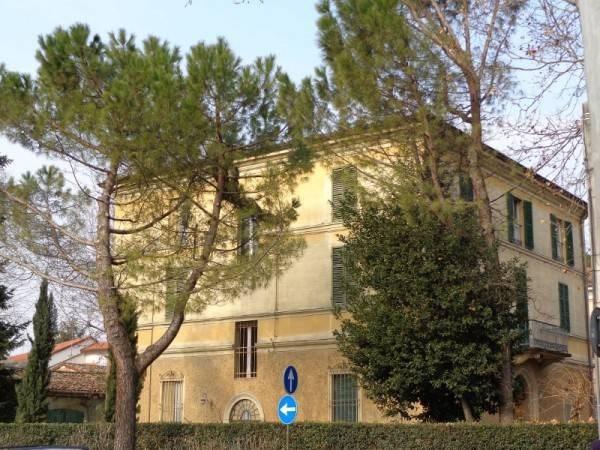 Vente  746m² Faenza
