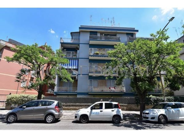 Vente Appartement 3 pièces 110m² Roma