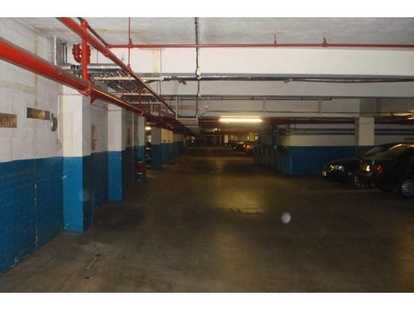Location Parking / Box London