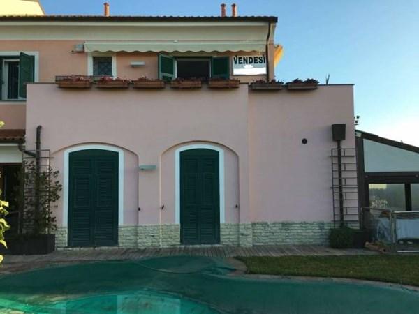 Vente Maison 6 pièces 220m² Loano