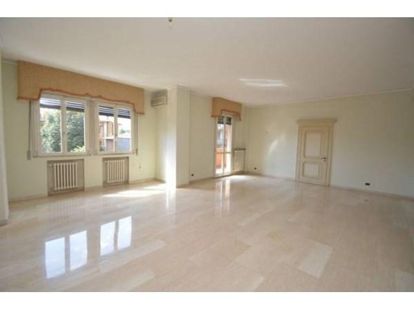 Vente Appartement 6 pièces 218m² Modena