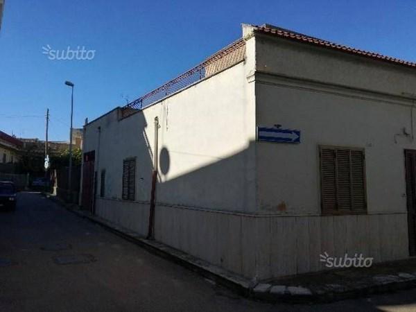 Vente  750m² Sannicandro Di Bari