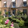 Vente - Hôtel particulier 9 pièces - 402 m2 - Versailles