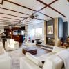 Location de prestige - Loft/Atelier/Surface 6 pièces - 240 m2 - Saint Cloud