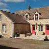 Vente - Maison ancienne 6 pièces - 208 m2 - Douains - Photo