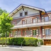 Vichy, chalet 13 Vertrekken, 372 m2