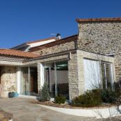 Vic le Comte, Maison en pierre 7 pièces, 183 m2