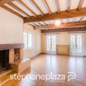Pierreclos, Maison en pierre 5 pièces, 120 m2