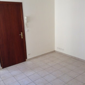 Rental apartment St quentin 380€cc - Picture 3