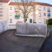 Chilly Mazarin, Estacionamento 20 assoalhadas, 19 m2