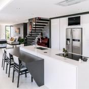 Chuzelles, Maison contemporaine 7 pièces, 283 m2
