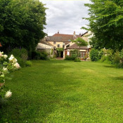 Beaune, Old house 8 rooms, 265 m2